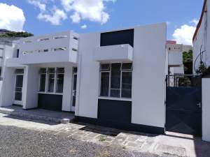 Office with parking for rent in center of Port-Louis - Office Space on Aster Vender
