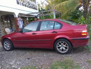 VOITURE A VENDRE BMW 318I - Family Cars on Aster Vender