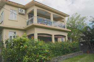 La Gaulette for sale recent villas with pool and carport - House on Aster Vender
