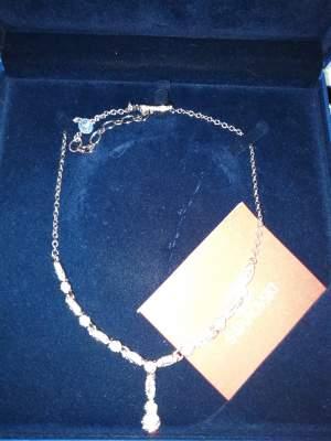 swarovski - Necklaces on Aster Vender
