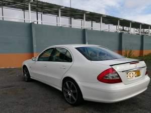Mercedes E200 Kompressor year 2007 Facelift version  - Luxury Cars on Aster Vender