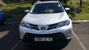 Toyota Rav 4 - SUV Cars on Aster Vender