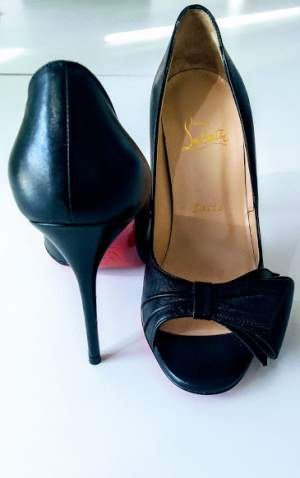 Louboutin - Women's shoes (ballet, etc) on Aster Vender