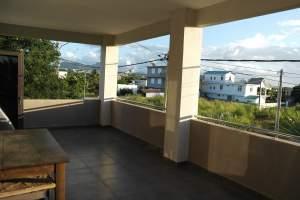 Vente récente villa séparée en 2 appartements de 2 chambres - House on Aster Vender
