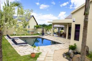 Tamarin tres belle demeure de 350m2 sur 1055m2 de terrain  - Villas on Aster Vender