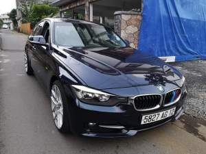 BMW 320i - Compact cars on Aster Vender