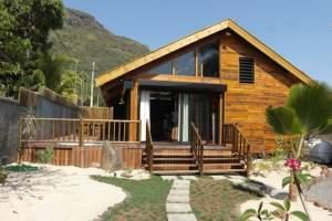 Rivière Noire à louer villa avec piscine et accès plage privé au calme - Villas on Aster Vender