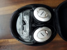 Bose headphones QC15 noise cancelling - Other phones on Aster Vender