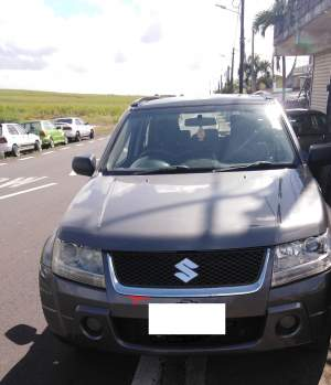 Suzuki Vitara 2.0 Full option- double traction - SUV Cars on Aster Vender