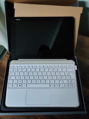 Asus Transformer 2 in 1 - Laptop on Aster Vender