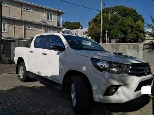 Hilux Raider AT - Pickup trucks (4x4 & 4x2) on Aster Vender