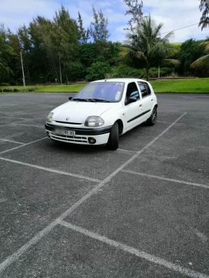 Renault Clio 2 - Family Cars on Aster Vender