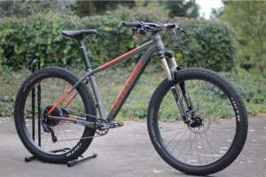 Cannondale - Mountain bicycles on Aster Vender