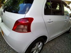 Toyota Vitz 05 Automatic - Compact cars on Aster Vender