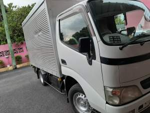 Toyota dyna RS2.00 per km - Small trucks (Camionette) on Aster Vender