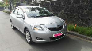 Toyota Yaris 1.3 manual - Luxury Cars on Aster Vender