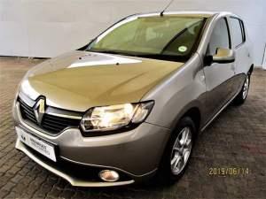 Renault Sandero Car for sale - SUV Cars on Aster Vender