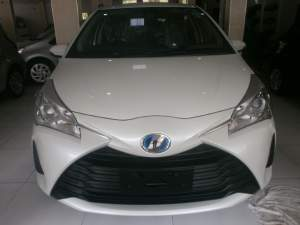 Toyota vitz Hybrid  - Family Cars on Aster Vender