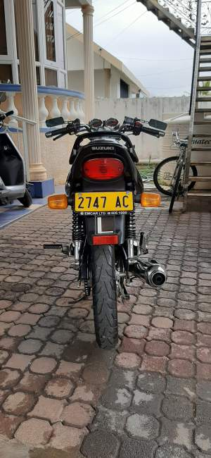 Suzuki EN-125 (AC) - Roadsters on Aster Vender