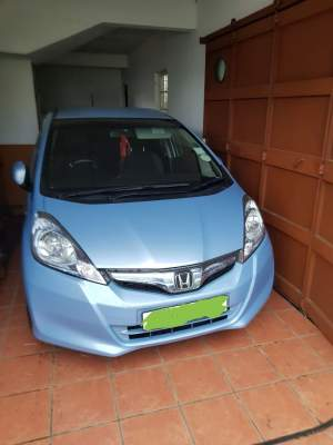 Honda Fit Hybrid - Compact cars on Aster Vender