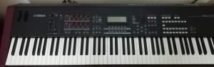 Synthesizer Yamaha MOXF8 - Synthesizer on Aster Vender