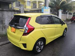 Honda Fit 2013  - Family Cars on Aster Vender