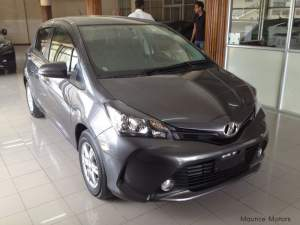 Toyota Vitz 1320cc - Compact cars on Aster Vender