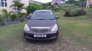 vends nissan bluebird - Luxury Cars on Aster Vender