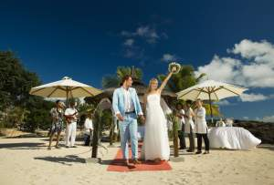 Beach Wedding (100-350 guests) or on Catamaran 35 guests - Events on Aster Vender