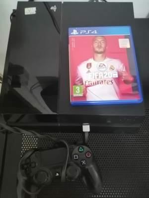 PS4 + FIFA 20  - PlayStation 4 (PS4) on Aster Vender