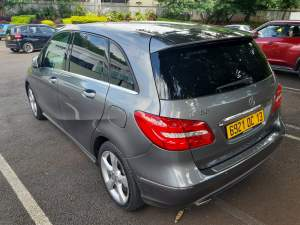 MERCEDES B180  SPORTS - Luxury Cars on Aster Vender