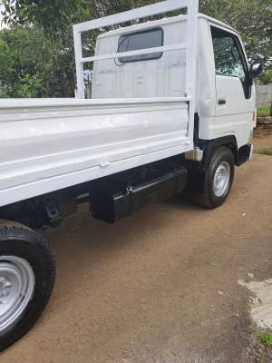 Toyota Dyna - Small trucks (Camionette) on Aster Vender