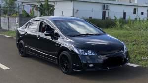 honda civic  - Family Cars on Aster Vender