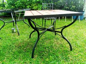 Table et chaises en fer forge - Garden Furniture on Aster Vender