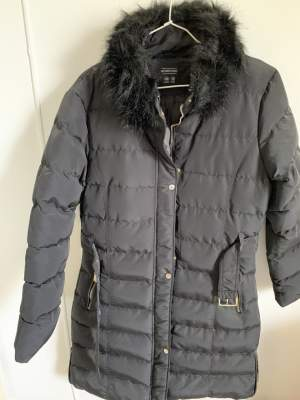 DOUDOUNE POUR DAME - PUFFER PARKA - TAILLE 42/14 - OCCASION - Jackets & coats (Women) on Aster Vender