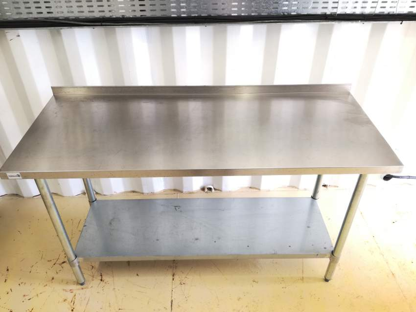Stainless steel table - Kitchen Tables at AsterVender