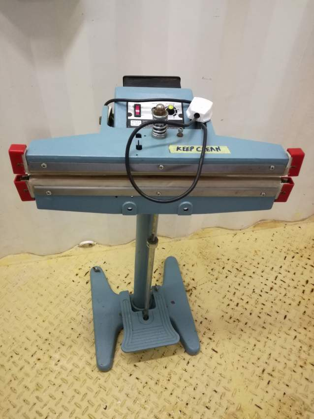 Foot pedal sealing machine