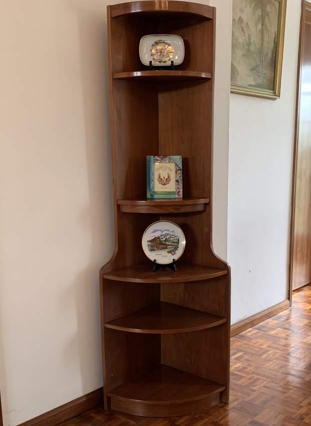Corner shelving furniture