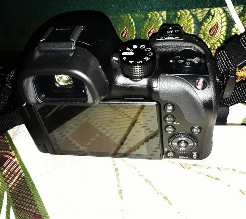 Samsung nx30 smart camera touch screen wifi lens 18 -55