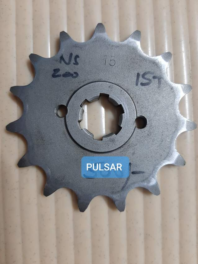 Pion 15 pour moto pulsar ou autres
