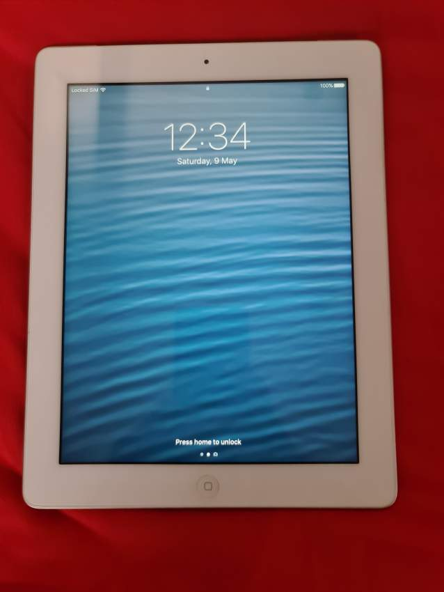 Ipad 4th Gen (Wi-Fi + Cellular) - Laptop at AsterVender