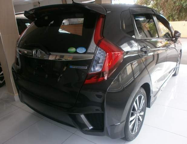 HONDA FIT HYBRID S PACKAGE  - Family Cars at AsterVender