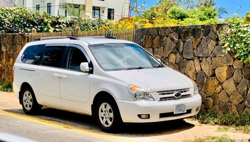 kia carnival 6seater year 2012 for sale
