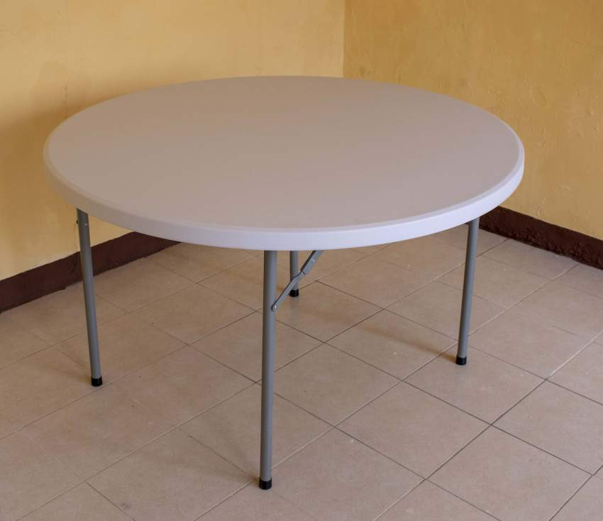 Lot de 10 tables rondes pliables