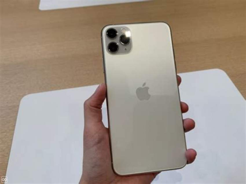 IPHONE - 11 PRO MAX - 512GB & 1AIRPODS PRO