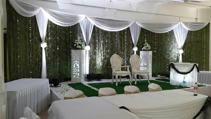 A louer covers chairs and decor - Wedding Decor at AsterVender