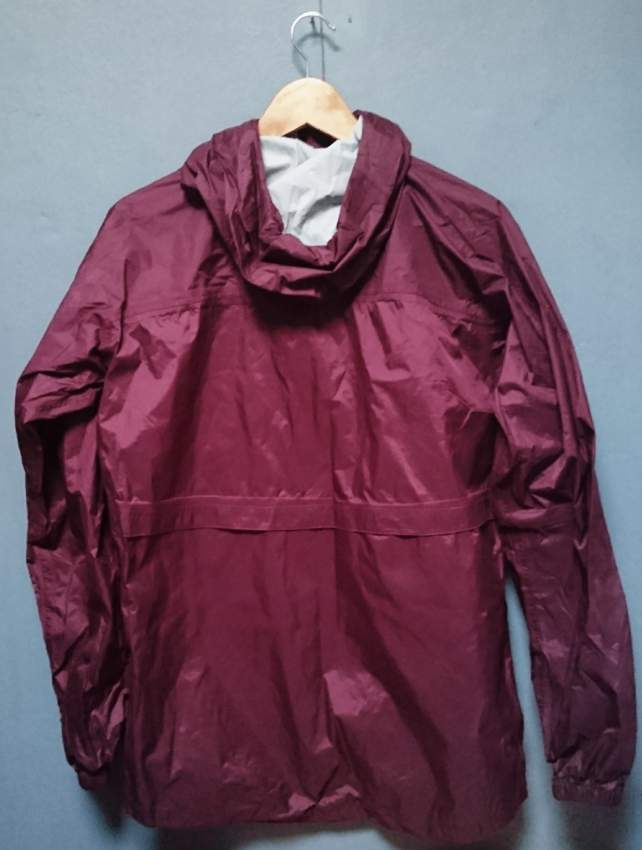 QUECHUA - RAINPROOF JACKET - SIZE L - Jackets & Coats (Men) at AsterVender