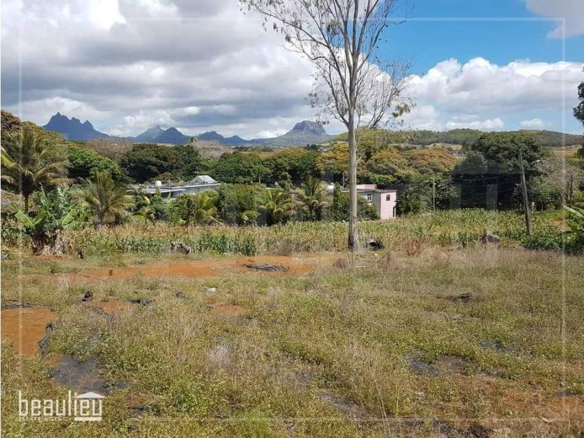 Residential land of 10 Perches  in Congomah