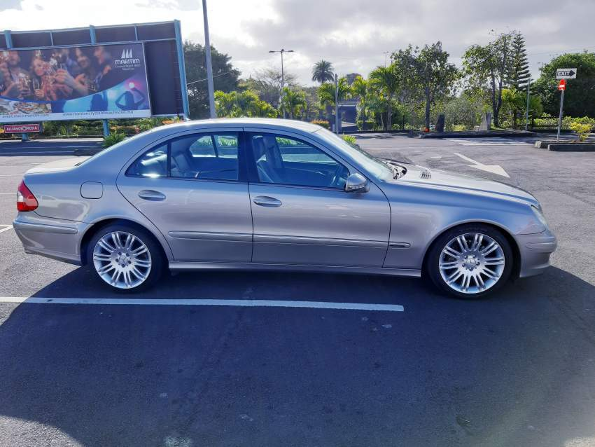 Mercedes E Class E200 Avantgarde Edition 2008  - Luxury Cars at AsterVender
