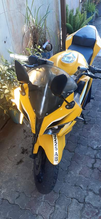 Pulsar Rs200 - Sports Bike at AsterVender